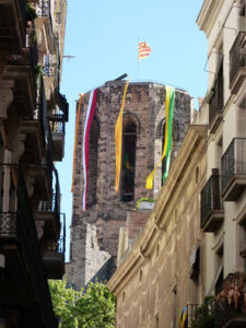 76d270df4 The bell tower impaled for the feast of Sant Jordi.